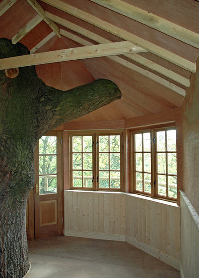 Farmhouse Shed by Plan Eden Garden Design & Forest Wild Treehouses
