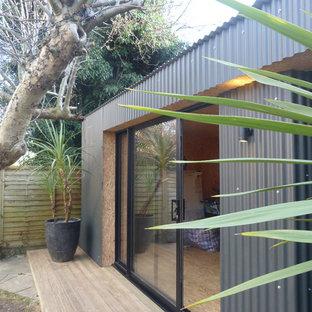 Large industrial detached office/studio/workshop in London.