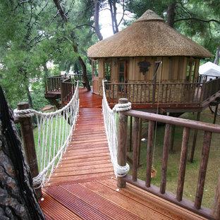 サセックスのエクレクティックスタイルのおしゃれな物置小屋・庭小屋の写真