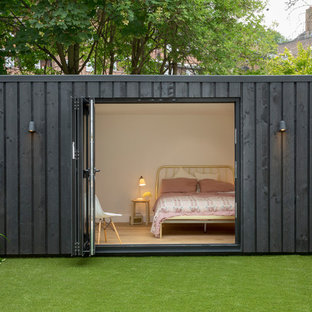 Photo of a contemporary detached granny flat in London.