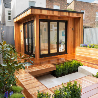 Inspiration for a medium sized contemporary detached guesthouse in London.