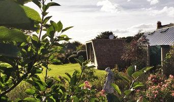Contemporary Garden glamping pod