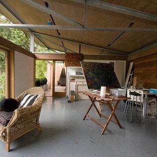 Small modern detached studio in Glasgow.