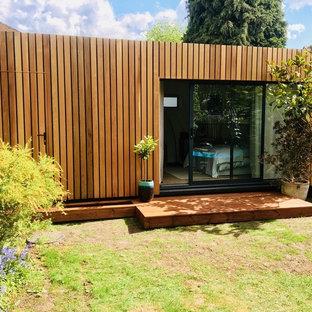 Idée de décoration pour un abri de jardin minimaliste.