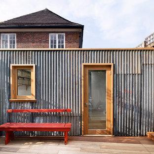 Photo of a mid-sized scandinavian detached studio in London.