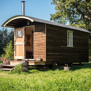 Mountain style detached guesthouse photo in Sussex