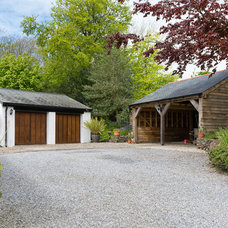 Farmhouse Garage And Shed by Colin Cadle Photography
