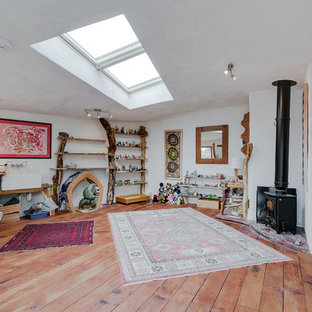 This is an example of a medium sized contemporary detached office/studio/workshop in London.
