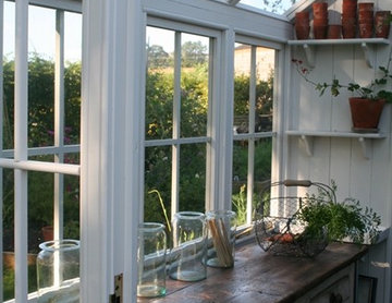 Posh shed with Greenhouse