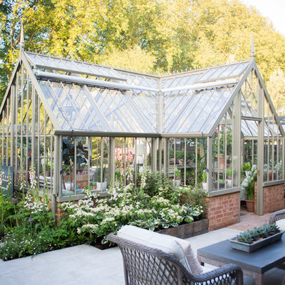 Greenhouse - mid-sized traditional detached greenhouse idea in London