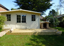 What colour did you paint your summer house please?
