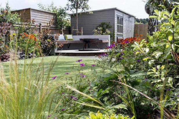 Modern Garden by Kate Eyre Garden Design