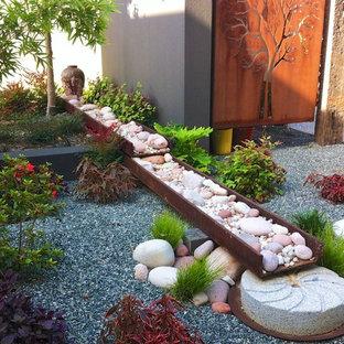 パースの中サイズのコンテンポラリースタイルのおしゃれな庭の写真