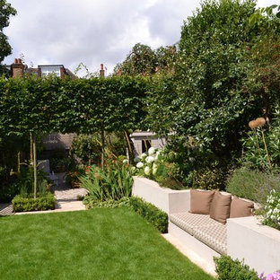 Inspiration pour un jardin surélevé arrière design de taille moyenne.