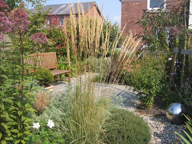 Country Garden by Paul Richards Garden Design