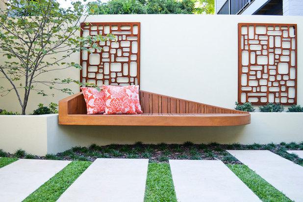 Midcentury Garden by AILDM