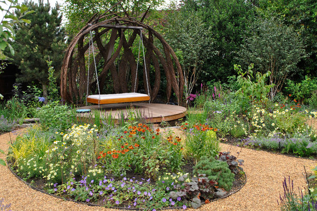 Contemporary Garden by Designs for All Seasons
