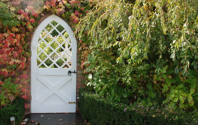 10 Gorgeous Gates That Make a Stylish Statement