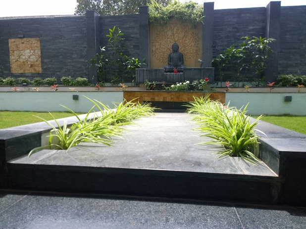 Indian Garden by CHERRY GARDEN AND LANDSCAPERS