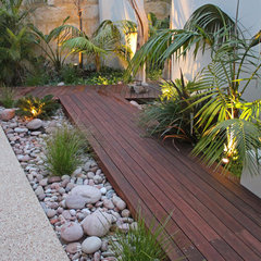 tropical landscape by Ascher Smith Landscape Designs