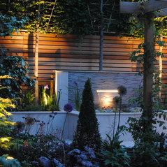 Award Winning Courtyard Garden In Enfield For A.