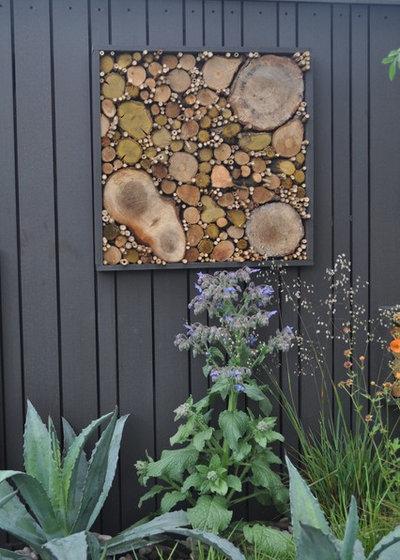 Contemporary Garden by Warnes - McGarr & Co.