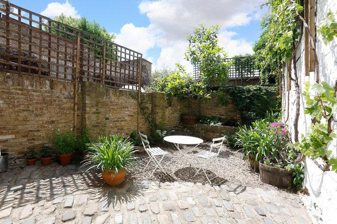 Contemporain Jardin by Roy Brooks Estate Agents Ltd