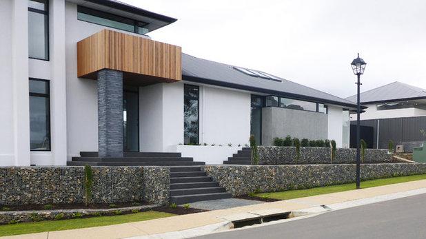 Modern Garden by Rockweld by Prospect Contractors