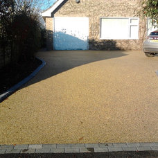 Contemporary Landscape by The Resin Mill ltd
