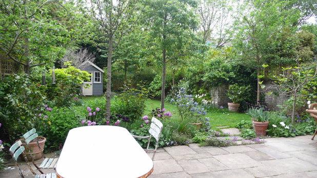 Traditional Garden by London Garden Designer