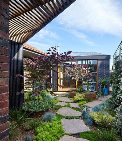 Garden by BENT Architecture