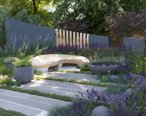 This Is An Example Of A Medium Sized Contemporary And Modern Back Full Sun  Garden In