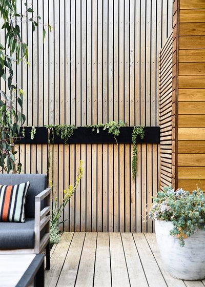 Contemporary Garden by Acre