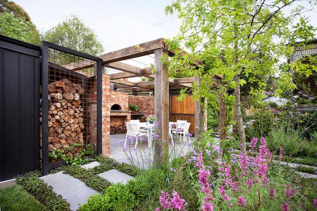 Contemporary Garden by Ian Barker Gardens