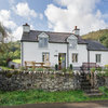 Houzz Tour: An Old Welsh Cottage Gets a Sensitive Renovation