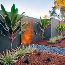 Contemporary Landscape by Utopia Landscape Design