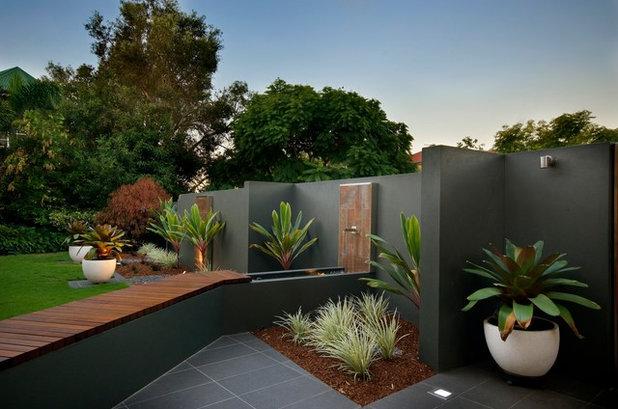 Contemporary Garden by Utopia Landscape Design