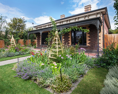 Victorian landscape ideas designs remodels photos for Victorian garden designs