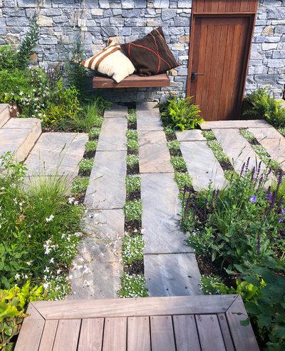 Contemporary Garden by Abigail Hazell Landscape & Garden Design Ltd.