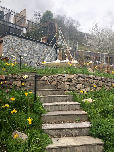 Garden by Abigail Hazell Landscape & Garden Design Ltd.