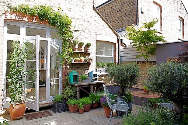Garden by Convert Construction Ltd