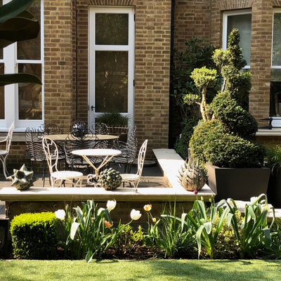 This is an example of a contemporary formal garden in London.