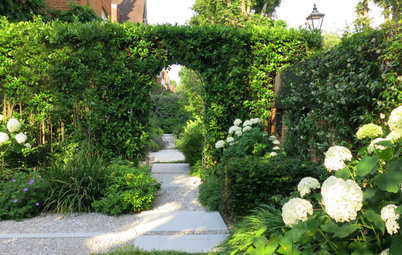 UK Garden Tour: A New Formal Design for a Tricky-Shaped Garden