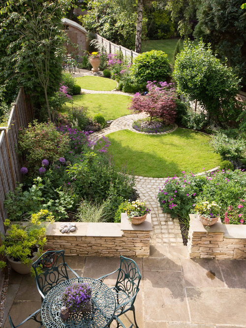 Best Traditional Landscape Design Ideas & Remodel Pictures
