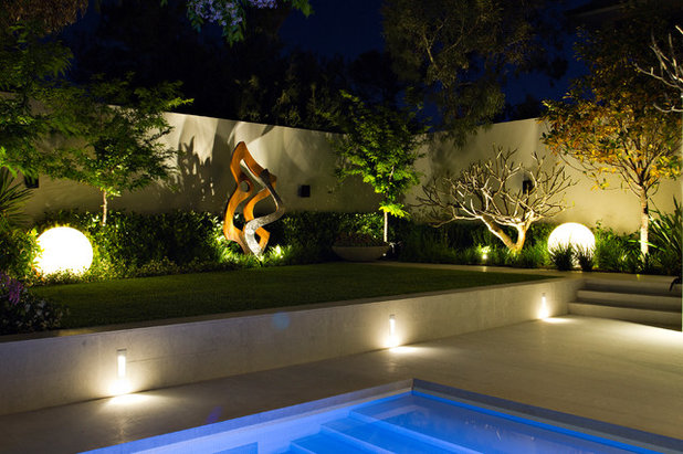 Contemporary Landscape by Tim Davies Landscaping | Perth