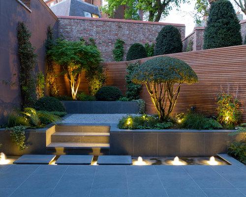 Jardin contemporain avec des pav s en pierre naturelle photos et id es d co de jardins for Deco jardin contemporain