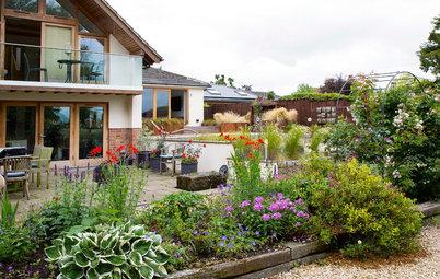 Ein Garten auf dem Land nimmt Form an