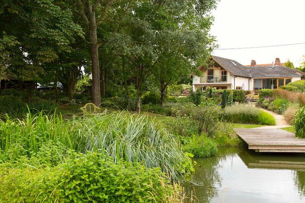 Landhausstil Garten by Oxford Garden Design