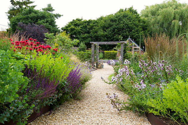 Country Garden by Oxford Garden Design