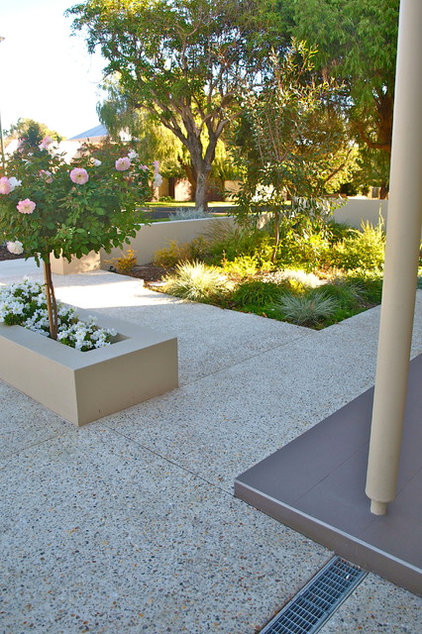 contemporary landscape by sustainable garden design perth